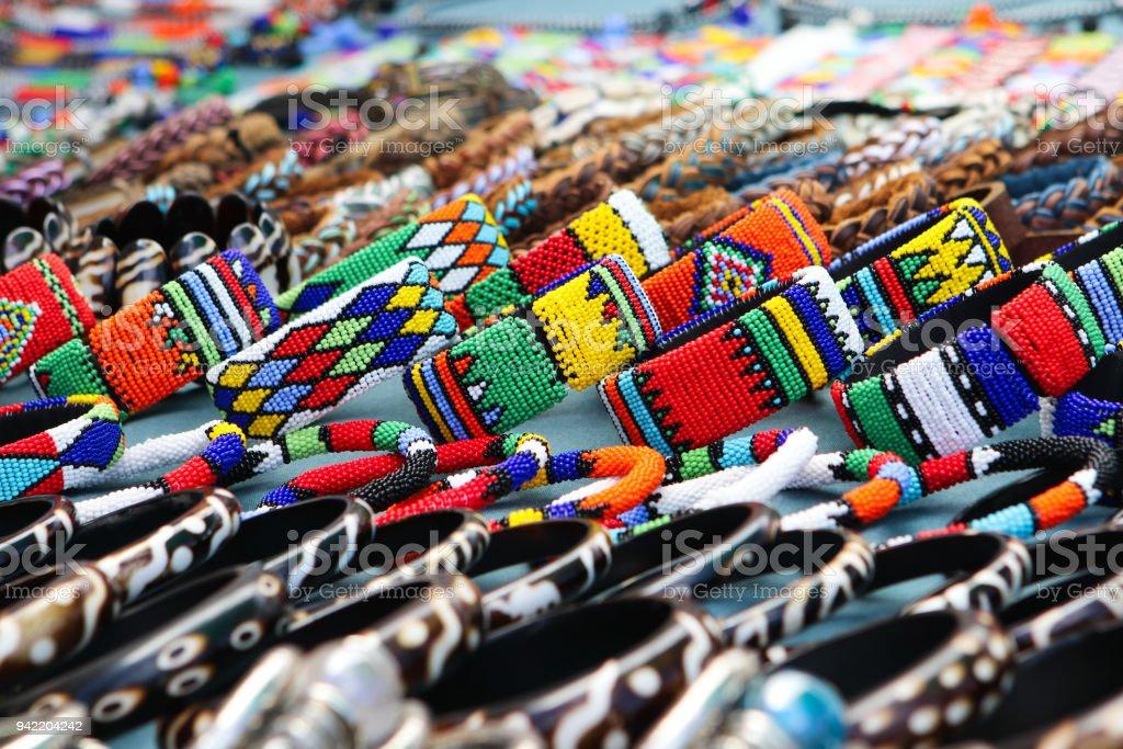 Bunte Handgefertigte Armbänder Armreifen An Lokale Craft Market In ...