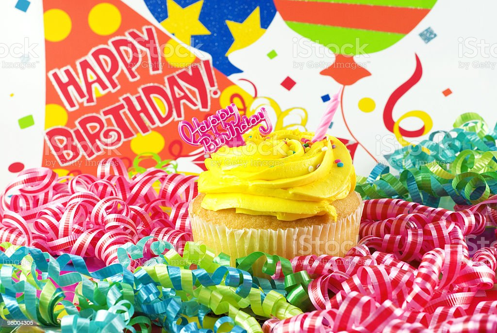 Colorful Happy Birthday Cupcake royalty free stockfoto