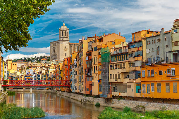 colorful houses in girona, catalonia, spain - oude stad stockfoto's en -beelden