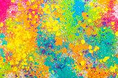 カラフルなインドの粉体塗料