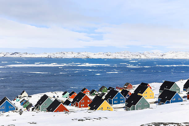 Colorful Inuit houses at the fjord, Nuuk – Foto