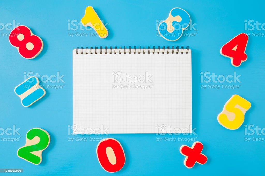 Foto De Números Coloridos De Aprendizagem Para Crianças Ao Redor Do