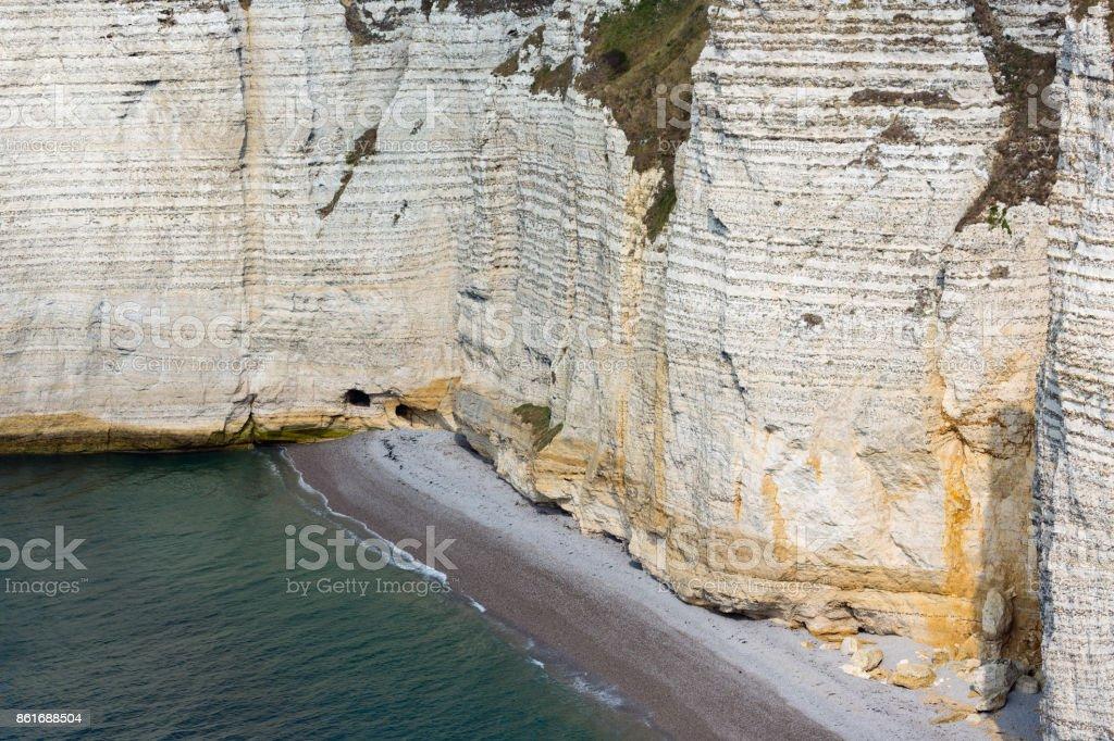 Bunte Kalksteinfelsen Mit Strand In Der Nahe Von Etretat In Normandie Frankreich Stockfoto Und Mehr Bilder Von Anhohe Istock