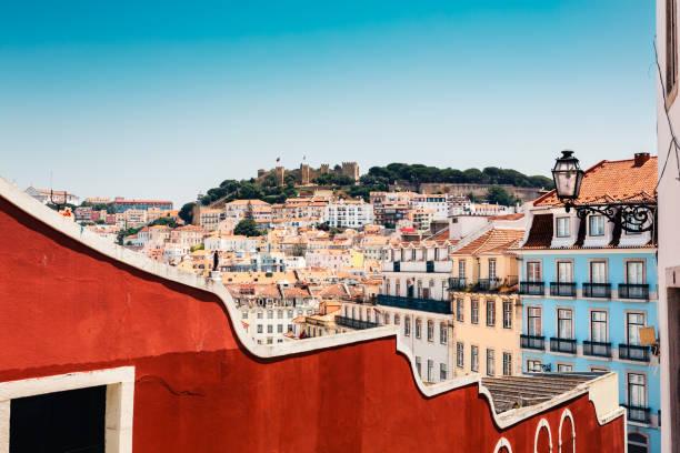 kolorowa lizbona - lizbona zdjęcia i obrazy z banku zdjęć