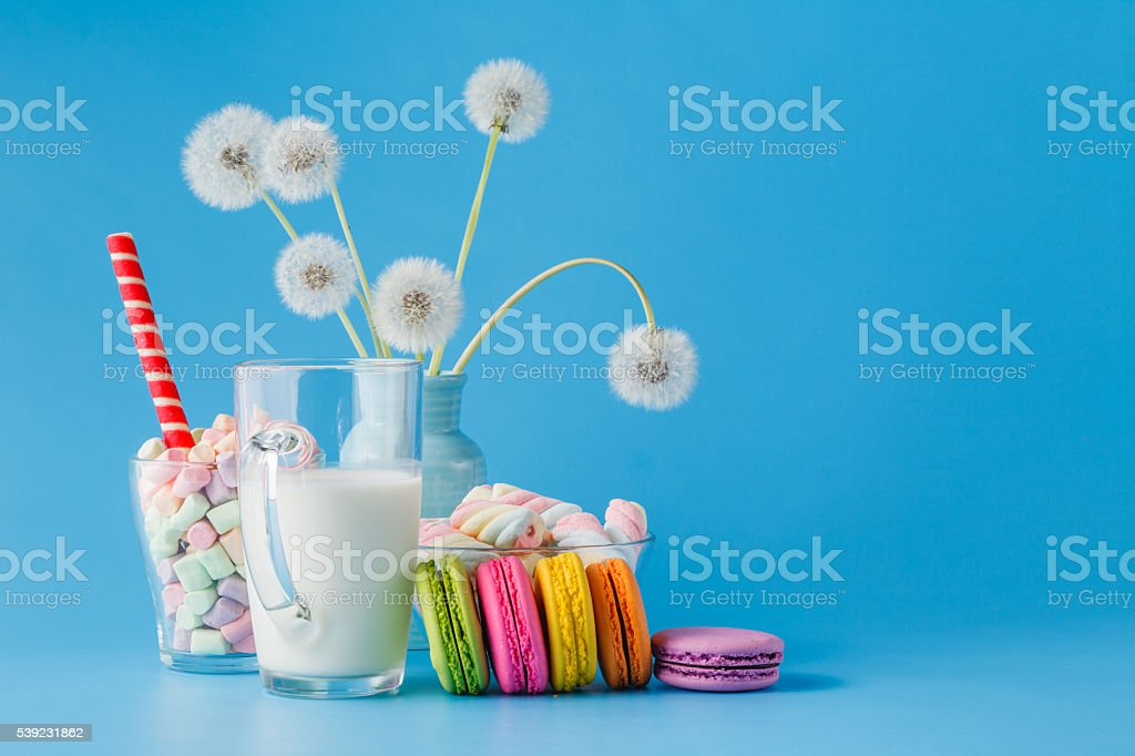 colorful macarons in transparent cup on table foto de stock libre de derechos
