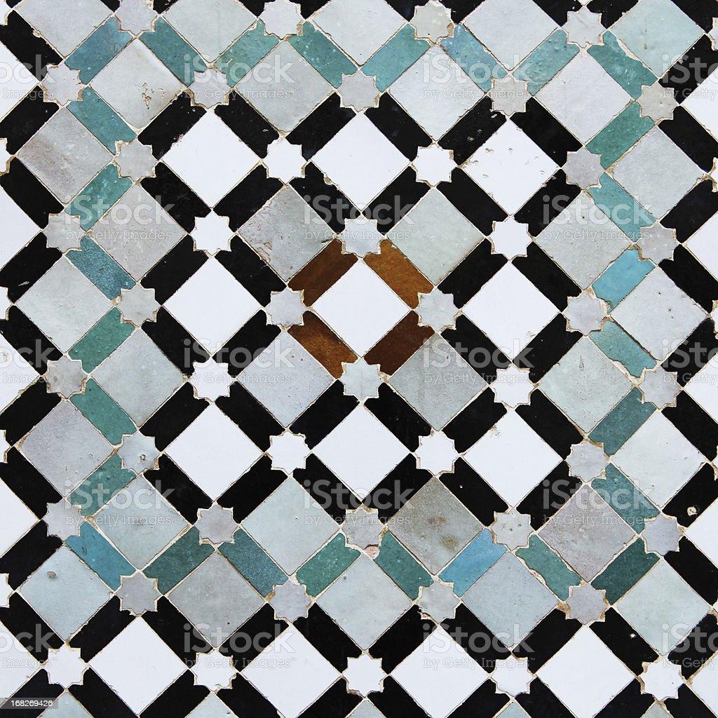bunte alte fliesen aus meknes medina in marokko stock-fotografie und