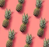 パイナップルのカラフルなパターン