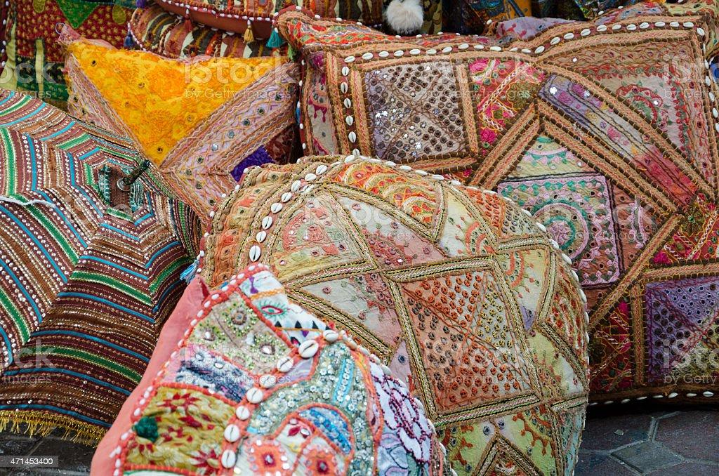 Cuscini Arabi.Cuscini Colorati In Un Bazar Arabo Dubai Fotografie Stock E