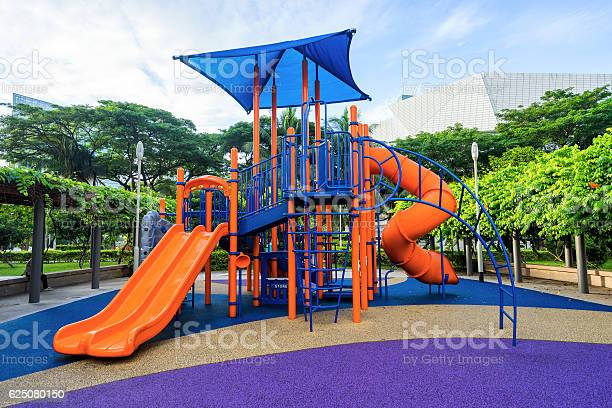Colorful playground on yard at hdb apartment in singapore picture id625080150?b=1&k=6&m=625080150&s=612x612&h=mxnhorqg496vqc2k7d3qs94zmpicvl1lhpkjtbki9ls=