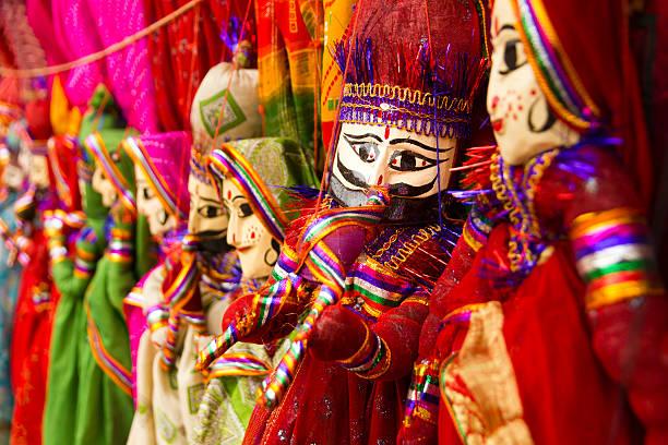 bunte rajasthani puppen - kasperltheater stock-fotos und bilder
