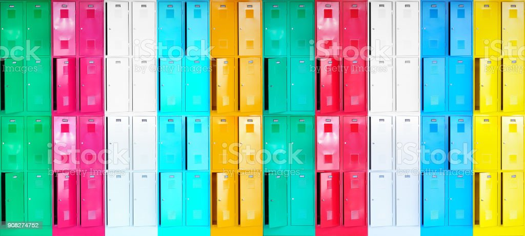 Colorful row of new lockers, straight - foto stock