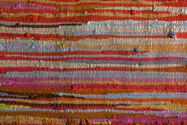 bunten teppich teppich textur - teppich baumwolle stock-fotos und bilder