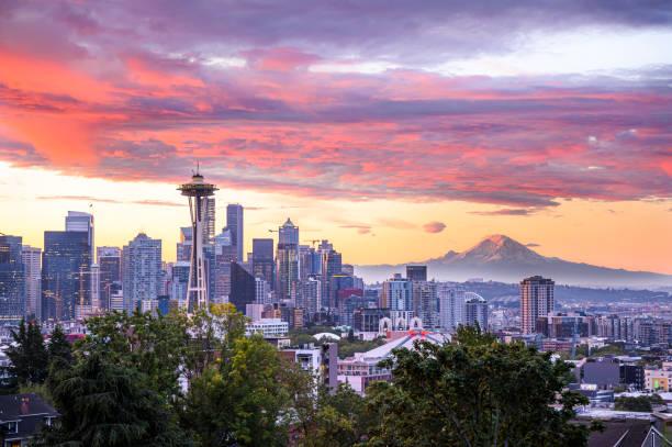 五顏六色的西雅圖日出與雷尼爾山 - seattle 個照片及圖片檔