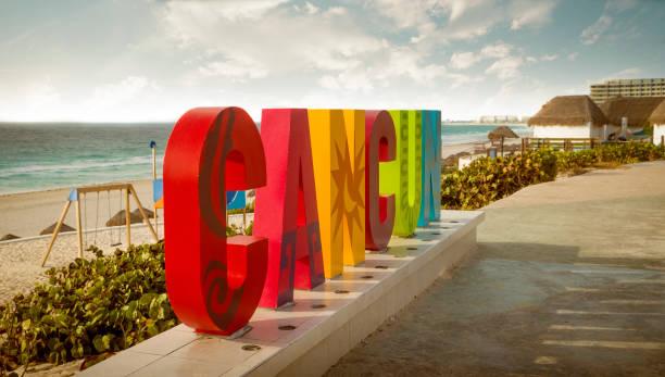 Bunte Zeichen von Cancun in Mexiko – Foto