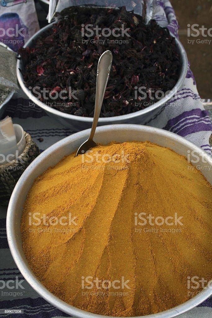 Colorido especias con cuchara foto de stock libre de derechos