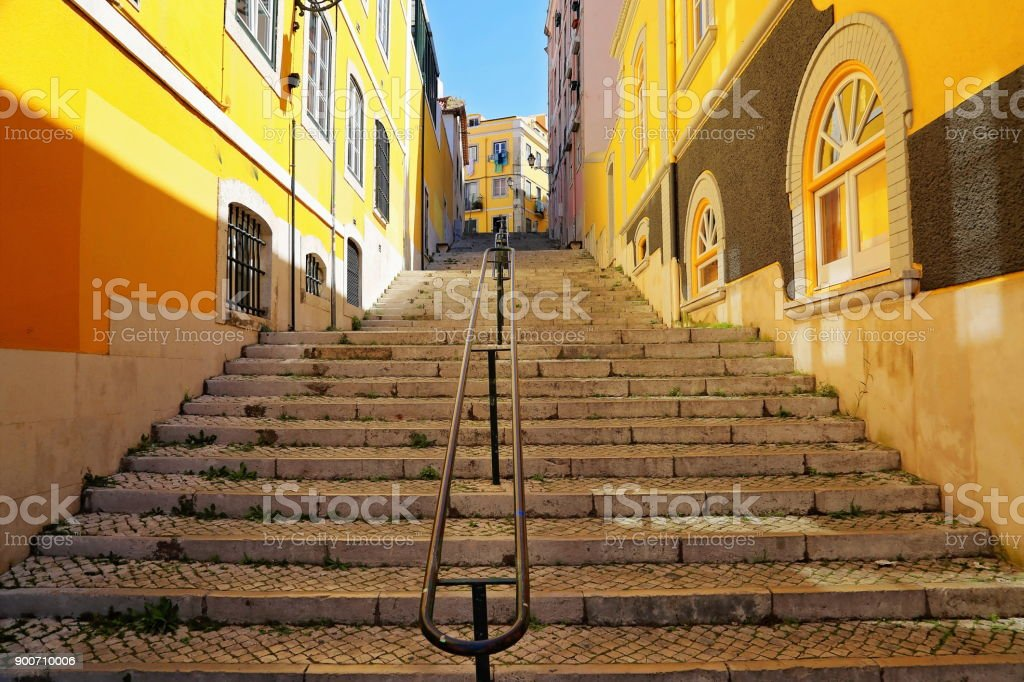 Colorful Streets of Lisbon - fotografia de stock