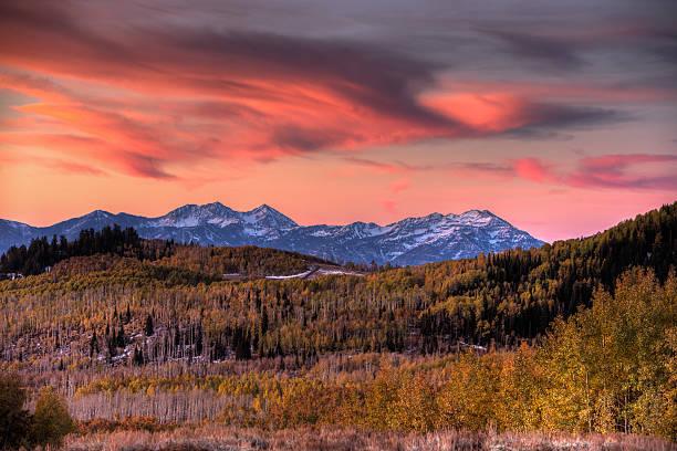 Heber coloré du lever du soleil sur la vallée et les montagnes Wasatch - Photo