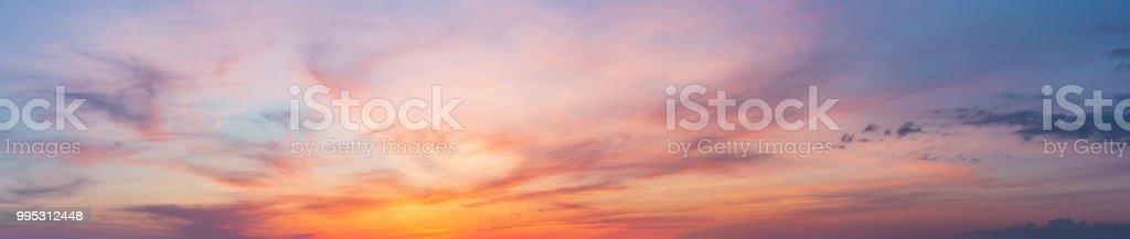 Farbenfrohen Sonnenuntergang Dämmerung Himmel – Foto