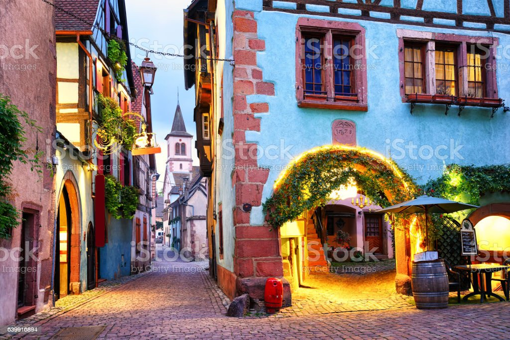 Colorful town of Riquewihr, Alsace, France - foto stock
