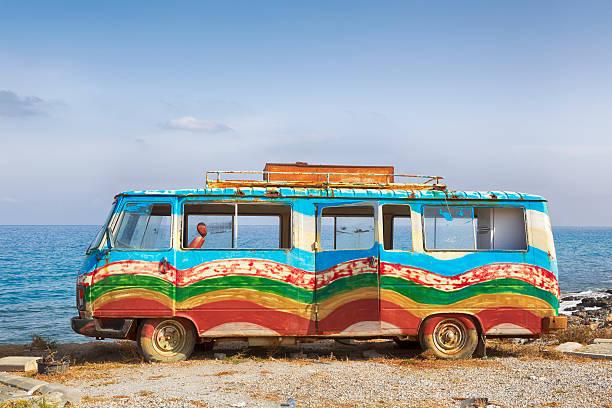 bunte van einer blume kind - hippie stock-fotos und bilder