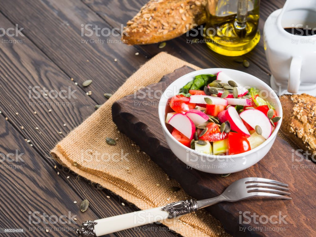 Colorful vegetable salad bowl royalty-free 스톡 사진