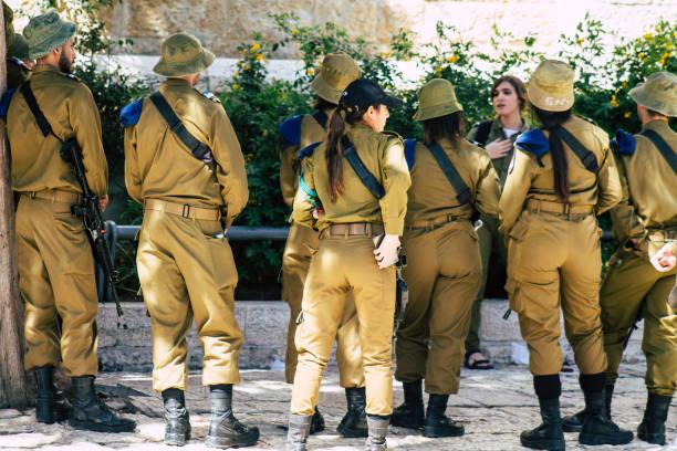 Beautiful Israeli Women Soldiers