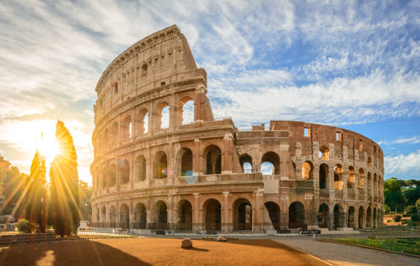 Coliseo al amanecer, Roma - foto de stock