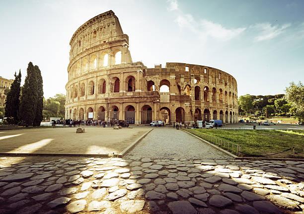 Kolosseum in Rom und Morgensonne, Italien – Foto