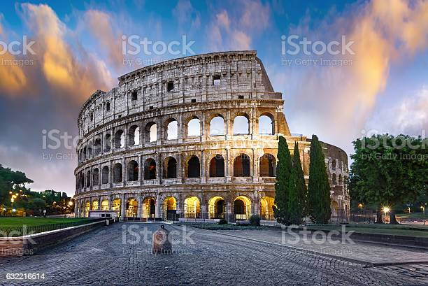 Colosseum in rome at dusk italy picture id632216514?b=1&k=6&m=632216514&s=612x612&h=eec686xfyzmwnow6d8s4hilkwa907wwiy8zvnshw90m=