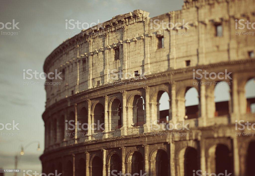 Colosseum de Roma a través de un cambio de inclinación lente foto de stock libre de derechos