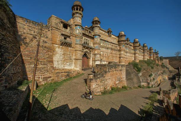 Colourful ceramic tiles with duck motifs adorning a wall, Man Singh Palace, Gwalior Fort or Fortress, Gwalior, Madhya Pradesh