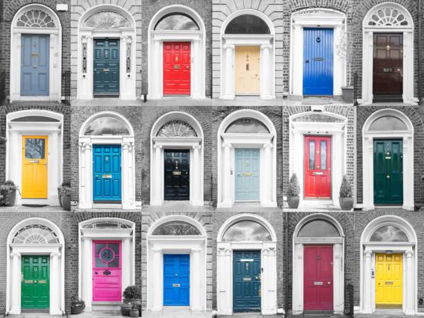 portas de dublin coloridas - standing out from the crowd (expressão inglesa) - fotografias e filmes do acervo
