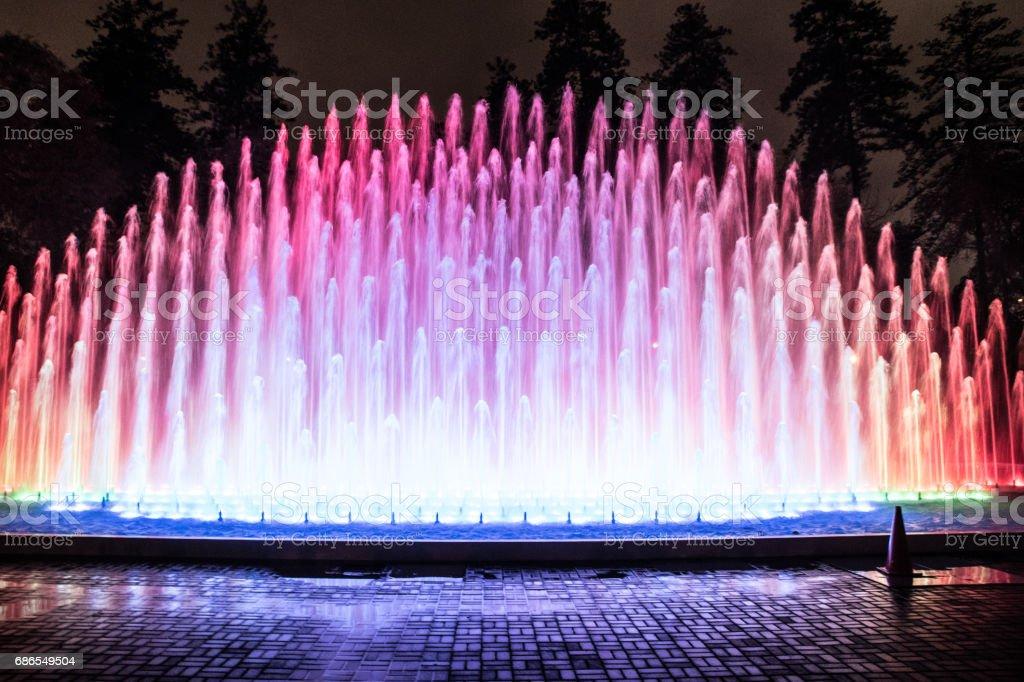 färgglada fontän royaltyfri bildbanksbilder