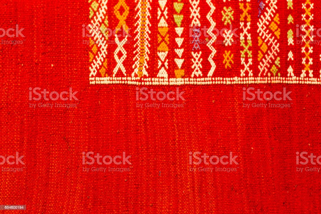 Colourful handmade rugs for sale on market – zdjęcie