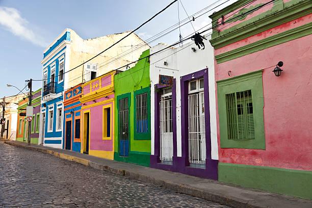 casas coloridas na histórica cidade de olinda - recife e olinda - fotografias e filmes do acervo