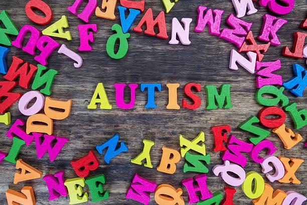 Bunte Buchstaben Rechtschreibung Autismus heraus – Foto
