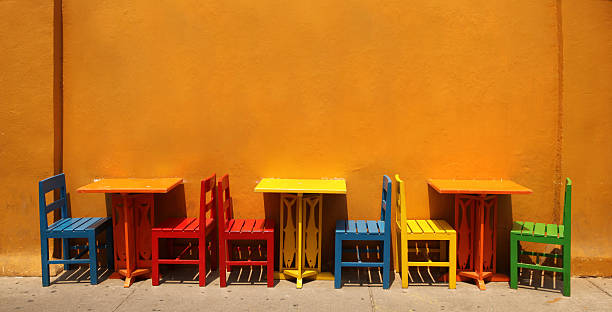 Colourful table & chairs, Cartagena, Colombia. – Foto