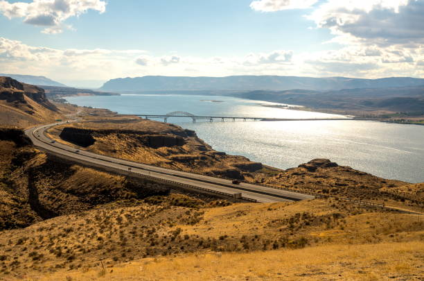 Columbia River and Vantage Bridge I-90, Washington-USA Columbia River and Vantage Bridge Washington State, USA east stock pictures, royalty-free photos & images