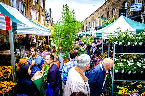 columbia road market in london - carlosanchezpereyra fotografías e imágenes de stock
