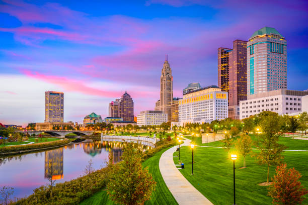 Columbus, Ohio, USA Columbus, Ohio, USA skyline on the Scioto River. ohio stock pictures, royalty-free photos & images