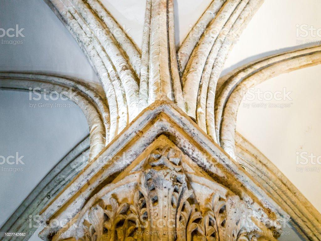 Columna en la sala de la última cena (habitación superior) en th Abadía de la Dormición (iglesia del Cenáculo) en el Monte Sión, Jerusalén, Israel. - foto de stock