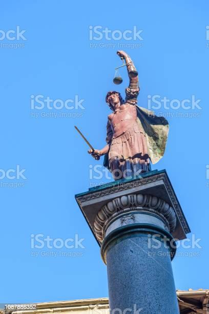 Column of justice in florence italy picture id1087886352?b=1&k=6&m=1087886352&s=612x612&h=x302aeg8ytd ffnrfazwbwsy3 waygq96fqumx1v dk=
