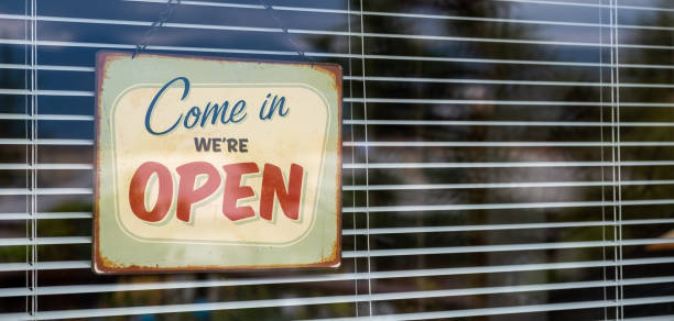 Come in we're OPEN sign on Entrance Window Come in we're OPEN sign on Entrance Window business stock pictures, royalty-free photos & images