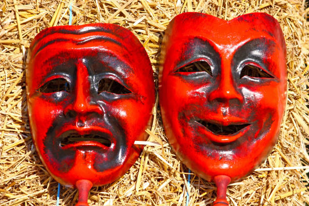 komik und tragik gesichtsmasken - cro maske stock-fotos und bilder