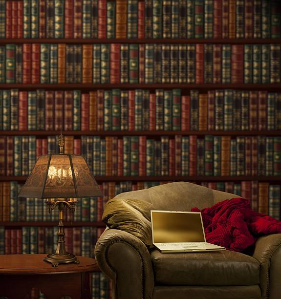 cómodos computadora portátil - biblioteca de derecho fotografías e imágenes de stock