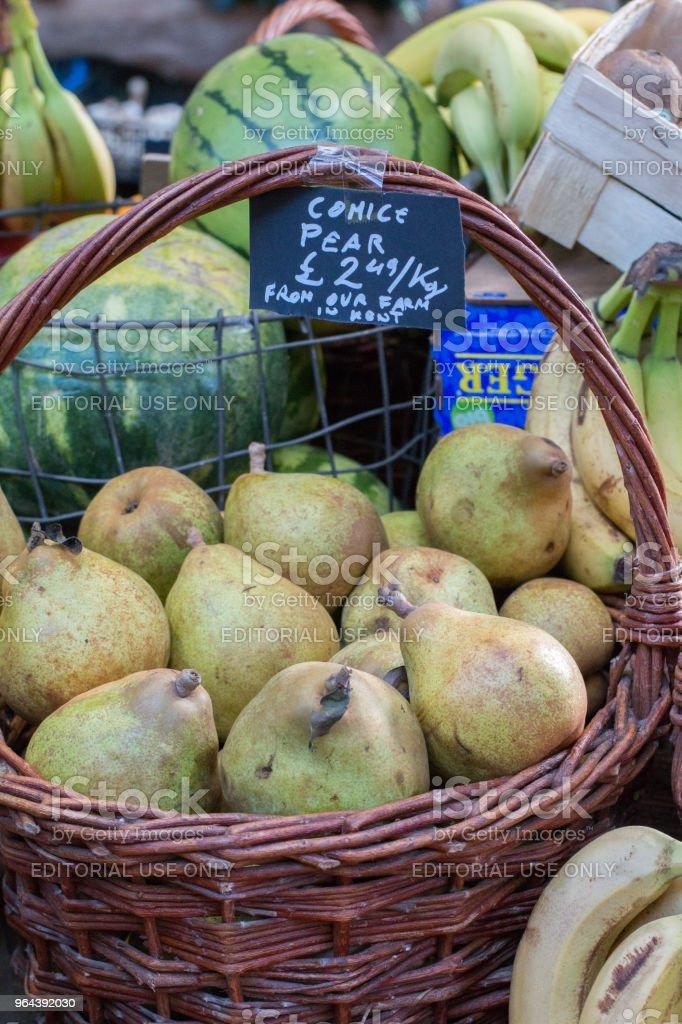 Comice pera no Borough Market, Londres - Foto de stock de Alimentação Saudável royalty-free