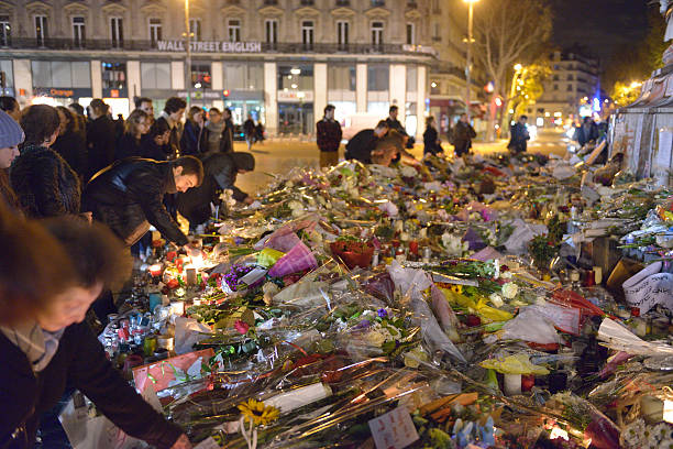 commemoration against  terrorist attacks (on november 13th, 2015)  in paris. - 2015 stok fotoğraflar ve resimler