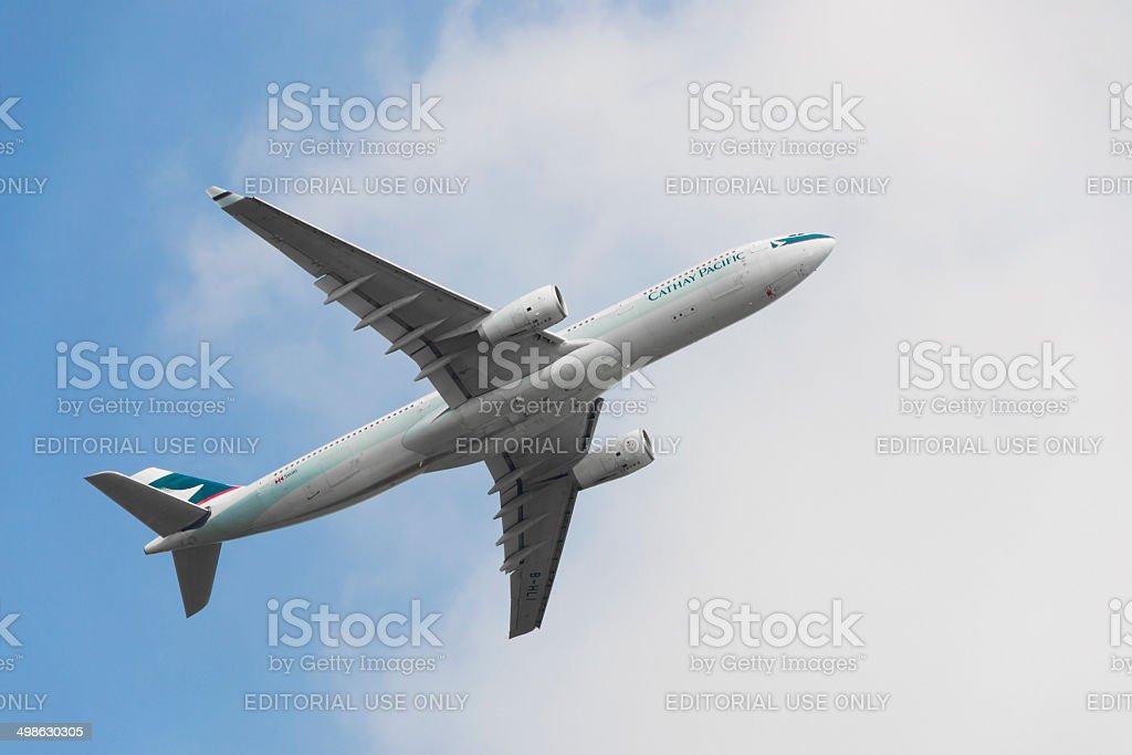 Commerciale avion volant dans le ciel - Photo