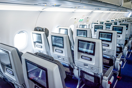 Commercial Aviation: Airbus A320neo, Azul, Economy Class, Commercial aircraft, Passenger Cabin, Economy Class.