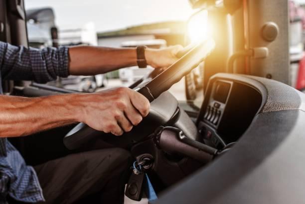 conductor comercial cdl - conducir fotografías e imágenes de stock
